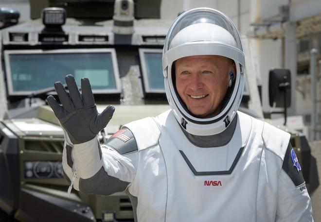 Chi tiết bộ giáp đặc biệt của phi hành gia vừa lên trạm ISS