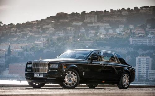 Mua mot chiec Rolls Royce Phantom cu nop 15,4 ty dong tien thue hinh anh