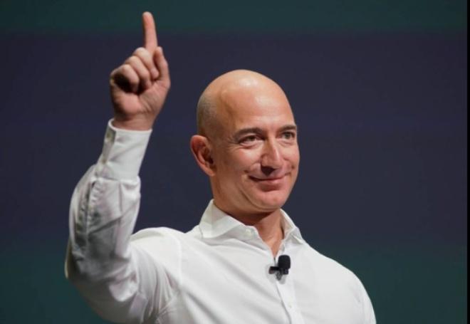 Ong chu Amazon vuot Bill Gates thanh nguoi giau nhat the gioi hinh anh