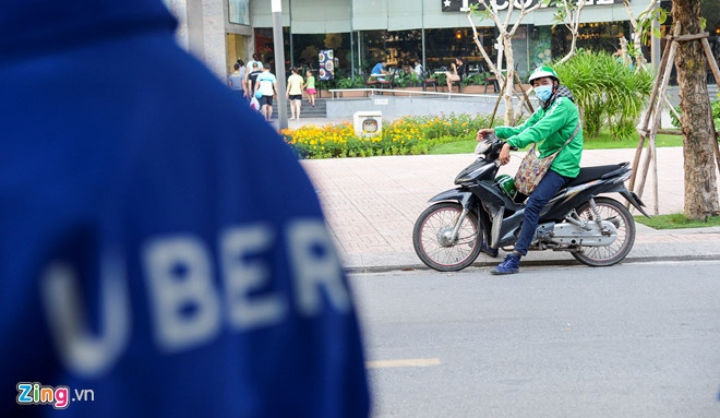 Ung xu voi Grab, Uber: Tien le cho chinh sach thoi cong nghe 4.0 hinh anh