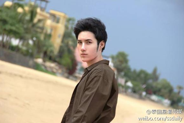 Chang trai xau xi thanh hot boy sau phau thuat tham my hinh anh 7