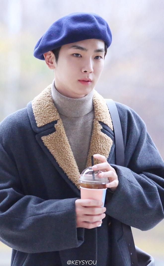 V (BTS) va dan sao nam Han Quoc duoc khen dep trai khi doi mu noi hinh anh 5