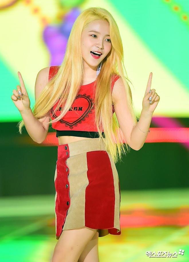 8 lan my nhan Red Velvet mac dep, khoe than hinh goi cam tren san khau hinh anh 7