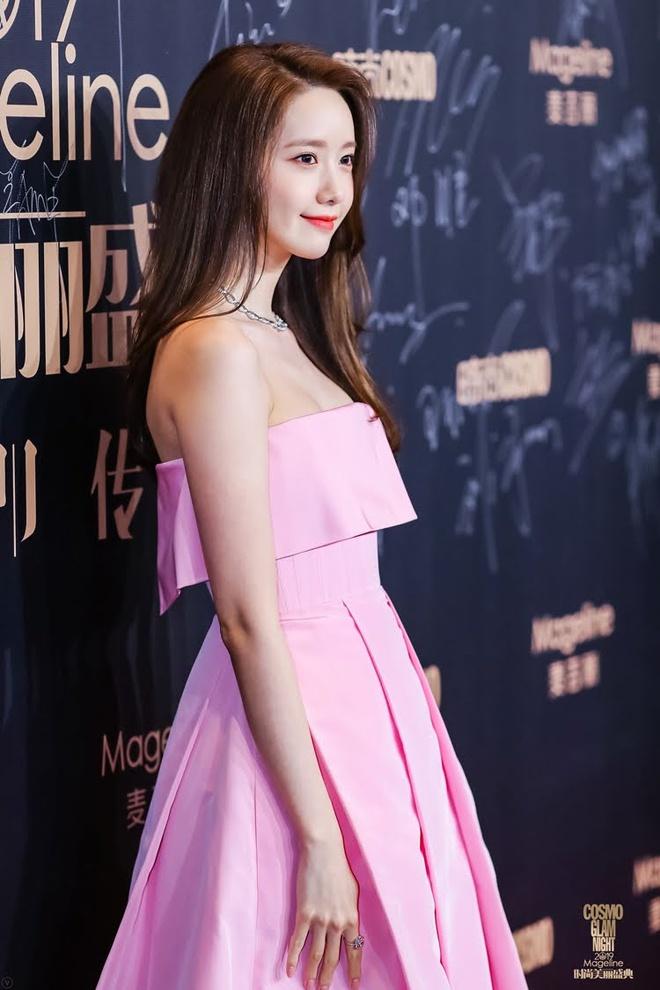 9 lan Yoona mac vay ho vai khoe dang goi cam tai su kien hinh anh 10 10.jpg