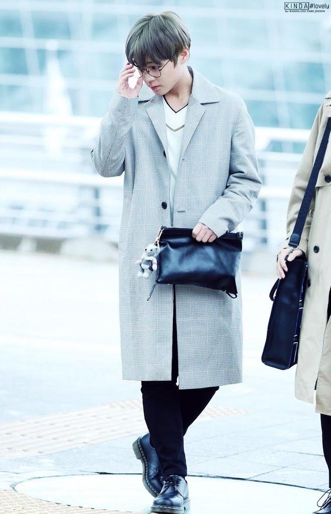 thoi trang san bay cua Park Jihoon anh 2
