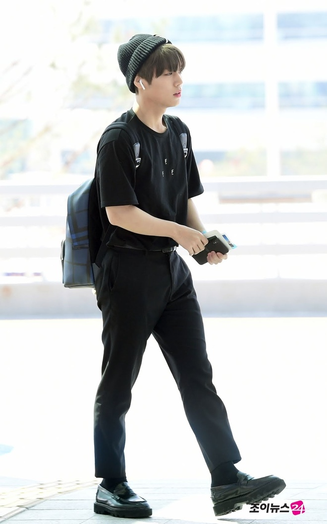 thoi trang san bay cua Park Jihoon anh 6