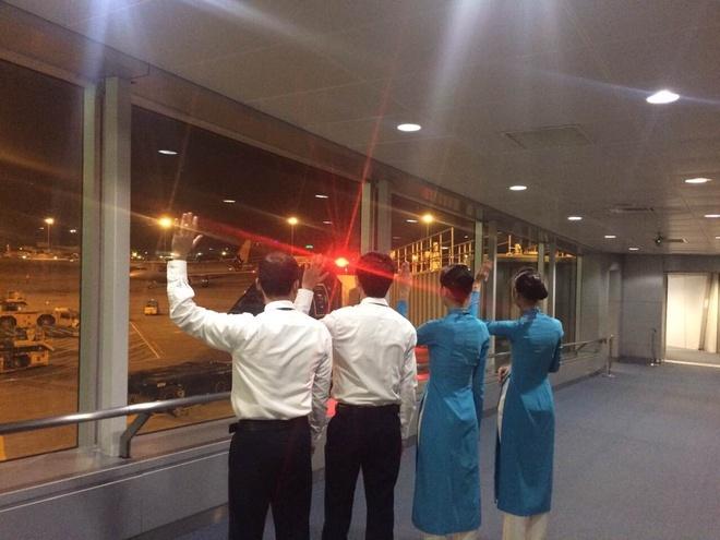 Vietnam Airlines tang hanh khach gan 40.000 phan qua may man hinh anh 4