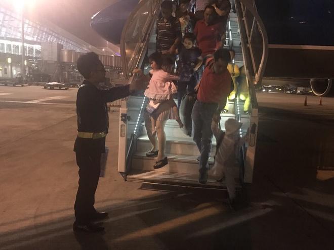 Vietnam Airlines tang hanh khach gan 40.000 phan qua may man hinh anh 5