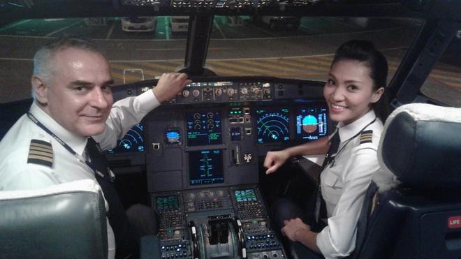 Vietnam Airlines tang hanh khach gan 40.000 phan qua may man hinh anh