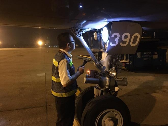 Vietnam Airlines tang hanh khach gan 40.000 phan qua may man hinh anh 7