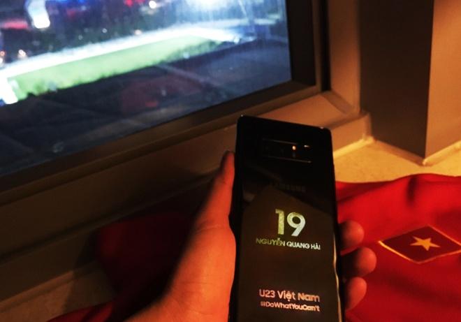 Samsung tang moi cau thu mot chiec Note 8 voi ten khac tren than may hinh anh 3