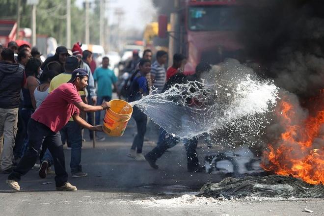 Mexico bao loan do gia xang tang 20% hinh anh