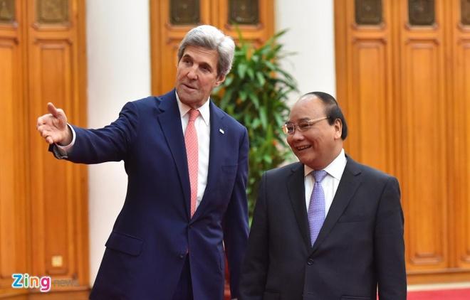 Ngoai truong John Kerry tham Viet Nam truoc khi roi nhiem so hinh anh