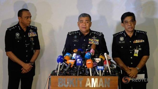 Malaysia yeu cau Interpol tro giup bat nghi pham Trieu Tien hinh anh 1