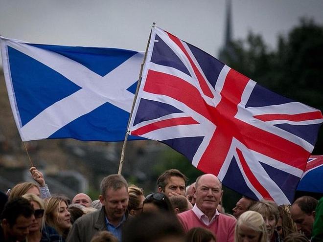 Scotland se trung cau dan y ve viec roi khoi Vuong quoc Anh hinh anh
