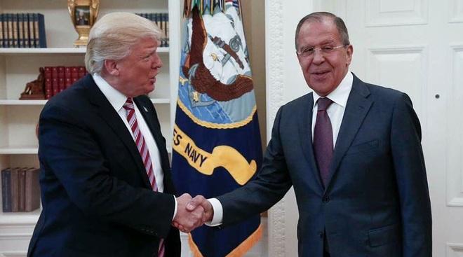 Ong Trump lan dau gap ngoai truong Nga de ban ve Syria hinh anh 1