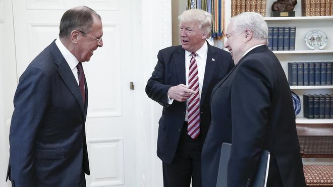 Nghi si My yeu cau Trump giai trinh vu tiet lo tin mat voi Nga hinh anh 1