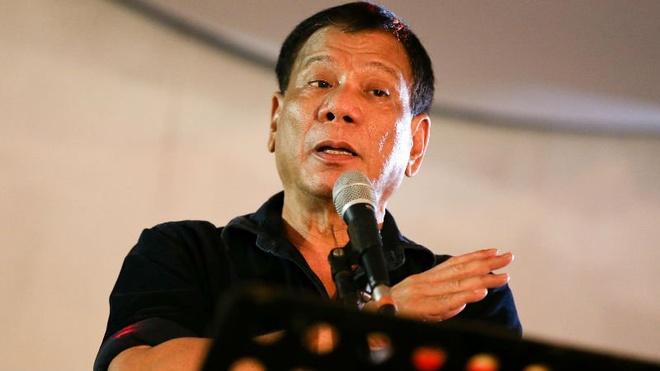 Ong Duterte phat ngon gay tranh cai ve hiep dam hinh anh