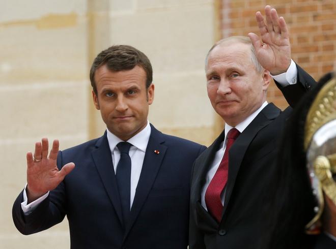 Ong Putin gap ong Macron, ky niem 300 nam quan he Nga - Phap hinh anh