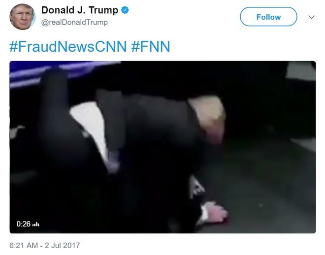 TT Trump dang video dam CNN thuc mang tren Twitter hinh anh 1