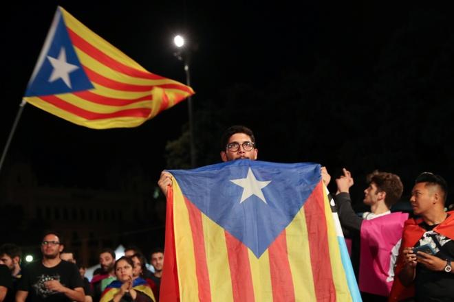 90% nguoi di bo phieu muon Catalonia tach khoi Tay Ban Nha hinh anh 1