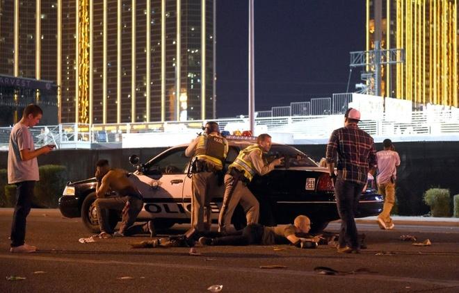 Canh sat truy tim o cung may tinh cua sat thu Las Vegas hinh anh 1