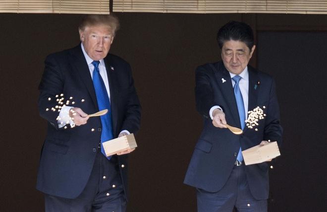 TT Trump gap Nhat hoang, cung Thu tuong Abe cho ca an hinh anh