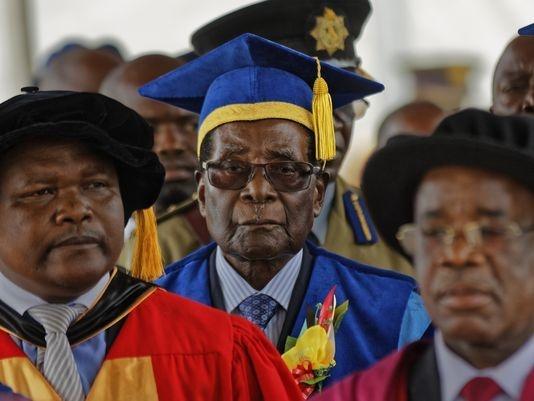 Tong thong Mugabe lan dau xuat hien sau khi bi quan thuc hinh anh