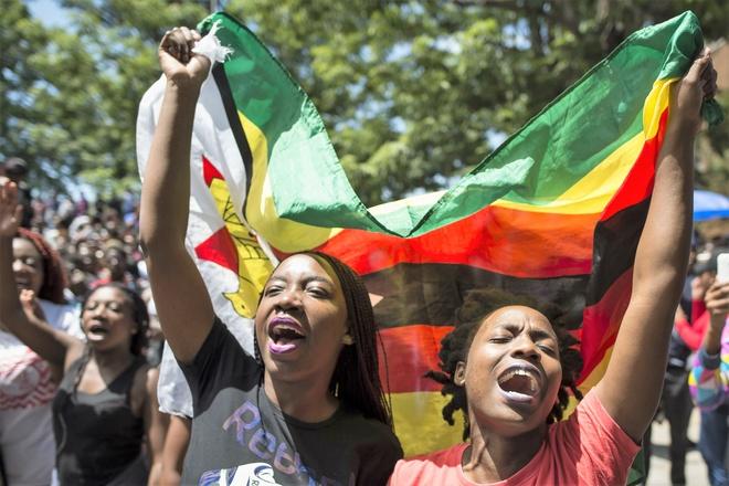 Mugabe tu chuc: Chuyen giao em tham o 'vuon dia dang' chau Phi hinh anh