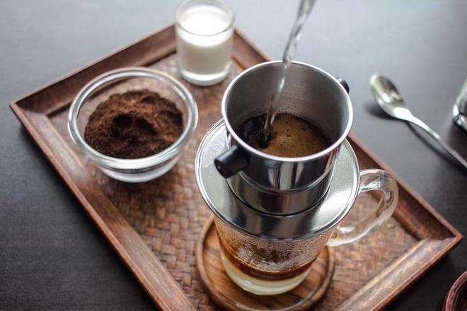 Văn hóa cà phê Việt Nam qua ống kính phóng viên nước ngoài