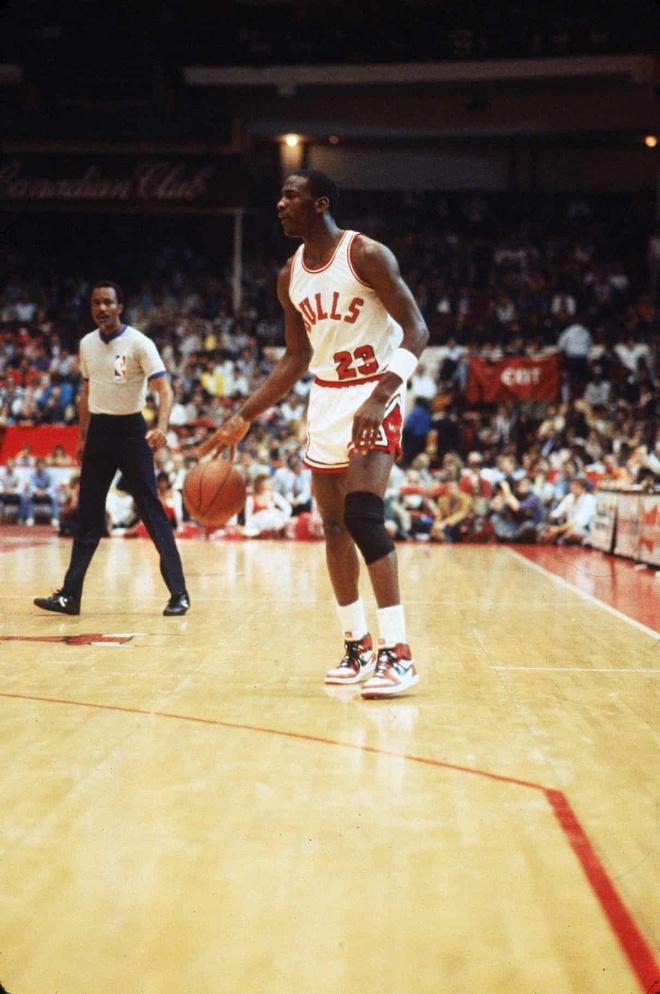 Giay cua Michael Jordan duoc ban gia cao nhat trong lich su hinh anh 1 jordan_3.jpg