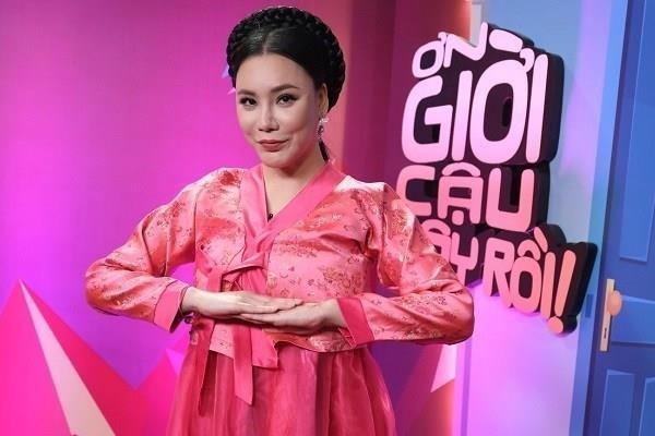 Ho Quynh Huong quay 'Vu dieu hoang da' cung Hoang Yen Chibi hinh anh
