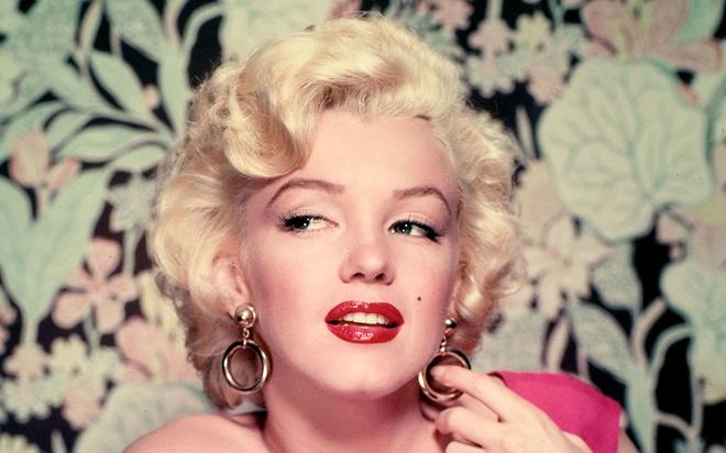 Boi 5 lop son moi va nhung bi mat lam dep cua Marilyn Monroe hinh anh 6