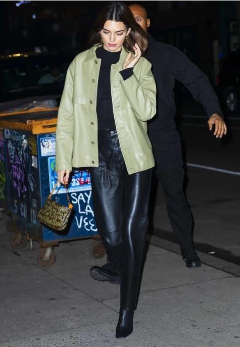 Kendall Jenner lang xe hang hiem cua Louis Vuitton tu nam 2001? hinh anh 1