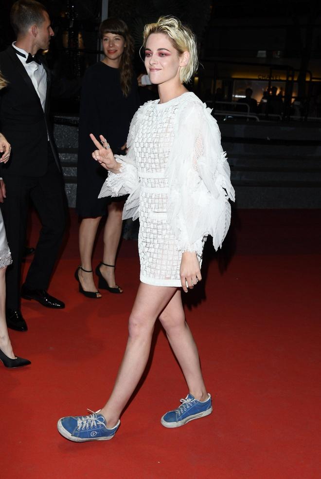 Kristen Stewart phoi do khong theo chuan muc nao len tham do hinh anh 10