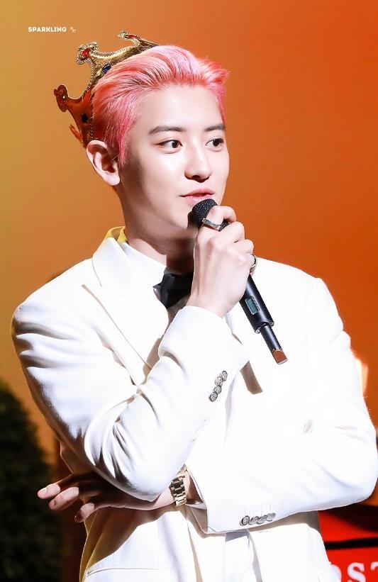 My nam EXO chi 30.000 USD mua kem duong da tay tang fan hinh anh 2