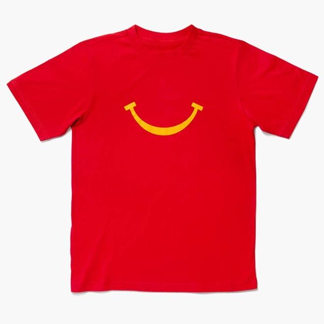 McDonald lan san sang ban quan ao, nhanh chong chay hang hinh anh 1