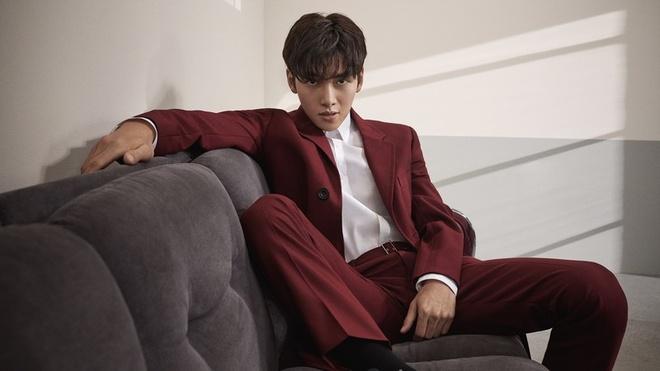 Ji Chang Wook tao dang sexy, lam dai su toan cau cho Calvin Klein hinh anh 1 5E2171CC6D2841579250124.jpeg
