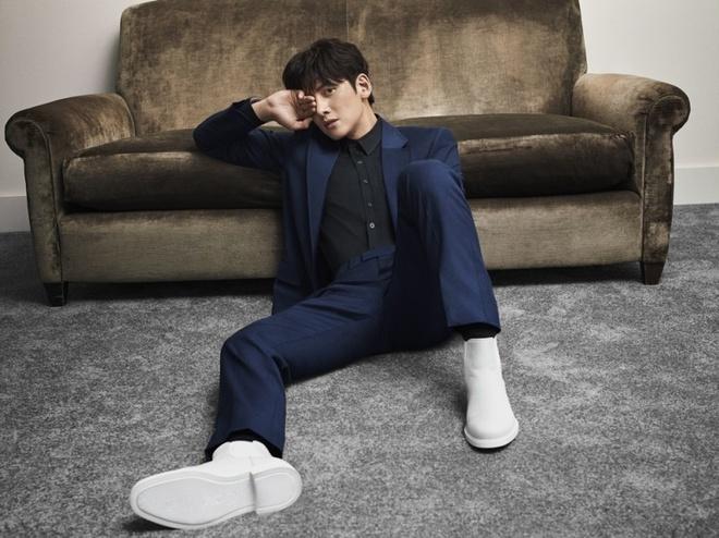 Ji Chang Wook tao dang sexy, lam dai su toan cau cho Calvin Klein hinh anh 2 5E2172DE9A5711579250398.jpeg