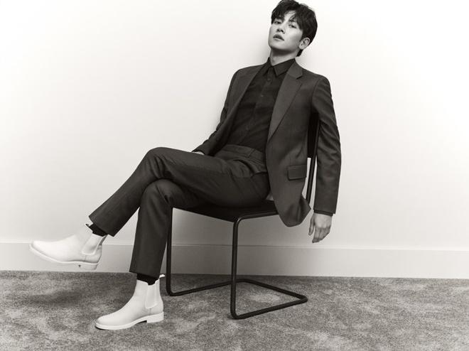 Ji Chang Wook tao dang sexy, lam dai su toan cau cho Calvin Klein hinh anh 3 5E2172DF27E5C1579250399.jpeg