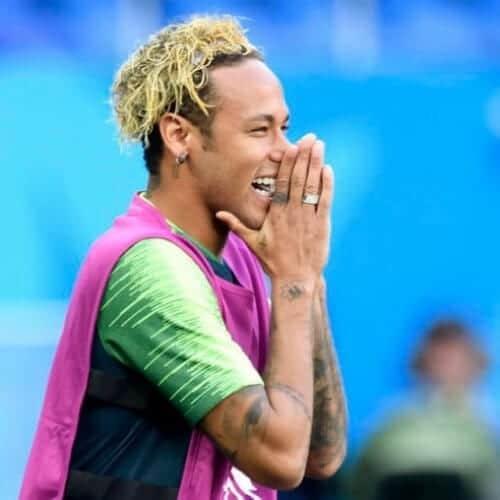 Nhuom hong, xoan xu va nhung kieu toc an tuong cua Neymar hinh anh 4 spaghetti_blonde_neymar_haircut.jpg
