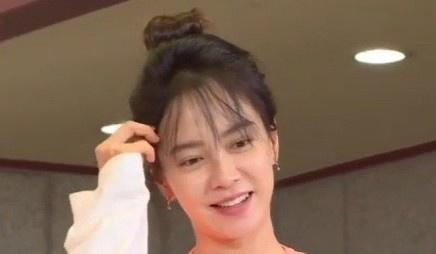 Song Ji Hyo mac xau anh 1