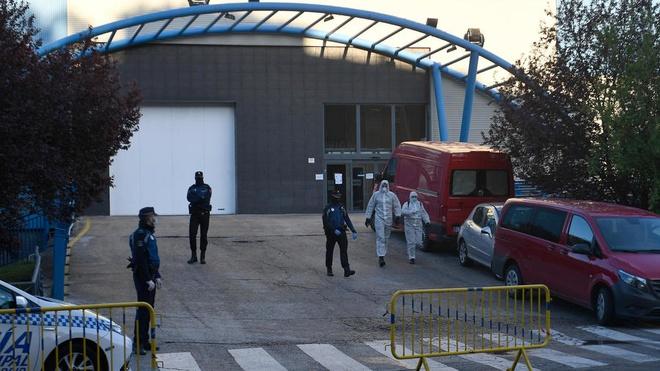 Madrid dung san truot bang thay nha xac giua dai dich hinh anh 1 Ice_rink.jpg