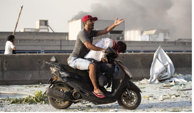 Xac nguoi nam rai rac trong tham hoa Beirut anh 1