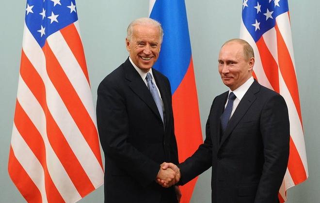 Ong Putin bat cuoi anh 1