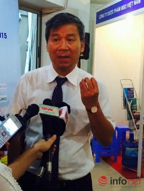 Giáo sư Nguyễn Anh Trí trao đổi với báo chí về căn bệnh tan máu bẩm sinh.