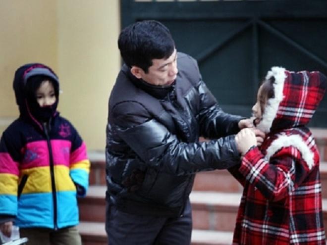 Chong choi voi chung ho trong gia ret hinh anh