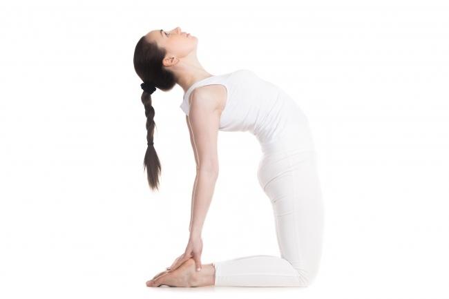 7 dong tac yoga giup nguc day dan hinh anh 7
