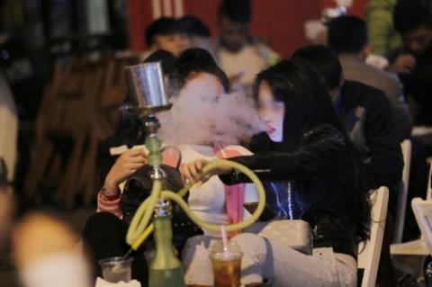 Shisha bien tuong: Moi nguy can ke hinh anh