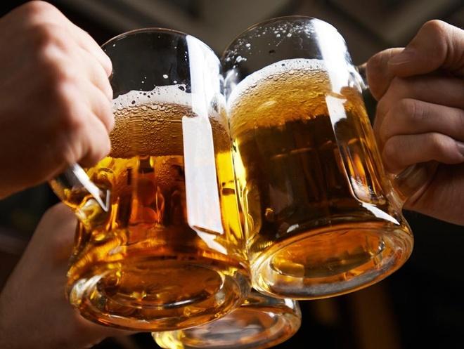 Dieu gi xay ra khi uong 1-2 coc bia moi ngay? hinh anh